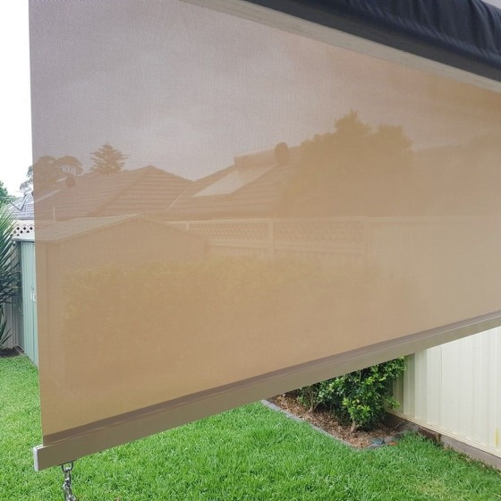 Sunscreen Roller Blind with Aluminium Hood